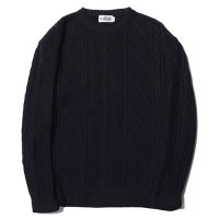 <img class='new_mark_img1' src='//img.shop-pro.jp/img/new/icons49.gif' style='border:none;display:inline;margin:0px;padding:0px;width:auto;' />CALEE - Crew neck cable knit sweater