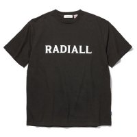 <img class='new_mark_img1' src='//img.shop-pro.jp/img/new/icons5.gif' style='border:none;display:inline;margin:0px;padding:0px;width:auto;' />RADIALL - LOGO TYPE C.N. T-SHIRT