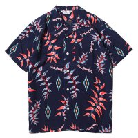 <img class='new_mark_img1' src='//img.shop-pro.jp/img/new/icons49.gif' style='border:none;display:inline;margin:0px;padding:0px;width:auto;' />CALEE - Native aloha pattern S/S shirt