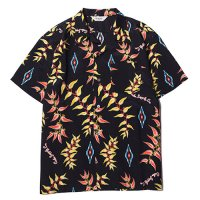 <img class='new_mark_img1' src='//img.shop-pro.jp/img/new/icons5.gif' style='border:none;display:inline;margin:0px;padding:0px;width:auto;' />CALEE - Native aloha pattern S/S shirt