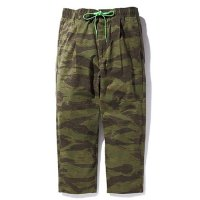 <img class='new_mark_img1' src='//img.shop-pro.jp/img/new/icons5.gif' style='border:none;display:inline;margin:0px;padding:0px;width:auto;' />CHALLENGER - TIGER CAMO EASY PANTS