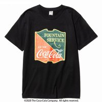<img class='new_mark_img1' src='//img.shop-pro.jp/img/new/icons49.gif' style='border:none;display:inline;margin:0px;padding:0px;width:auto;' />CALEE - COCA-COLA collaboration emblem t-shirt