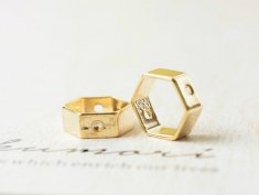 フレームパーツ【六角形(約10x11.2mm)2個/ゴールド】真鍮/通し穴付き/メタルパーツ/レジン用品/手芸材料/素材/DIY資材/金属パーツ/部品