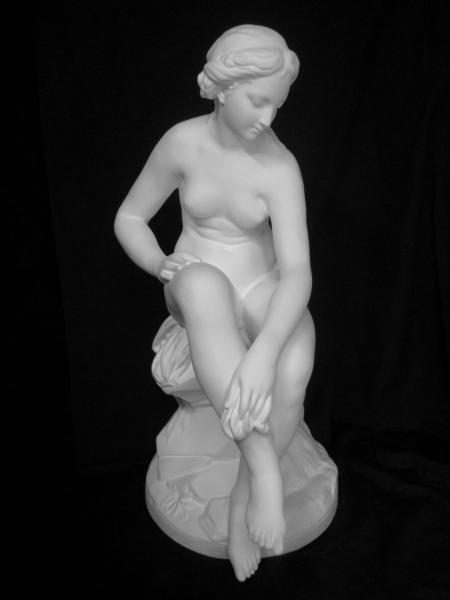N−032 ファルコネ作ヴィーナス坐像
