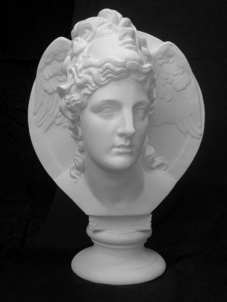 K−134 面冠女神像