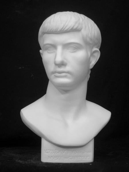 K−165 青年ブルータス胸像