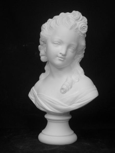 K−180 バラの少女胸像