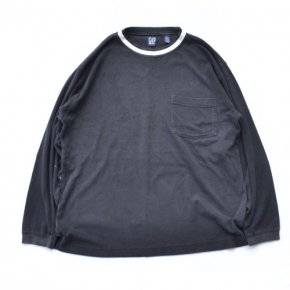 GAP Pocket Long Sleeve Tee