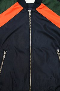<img class='new_mark_img1' src='//img.shop-pro.jp/img/new/icons16.gif' style='border:none;display:inline;margin:0px;padding:0px;width:auto;' />W.A.C LIGHT BOMBER JACKET GULOVIC【NVY/ORG/GRN】
