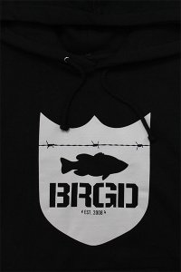 <img class='new_mark_img1' src='//img.shop-pro.jp/img/new/icons16.gif' style='border:none;display:inline;margin:0px;padding:0px;width:auto;' />BASS BRIGADE SHIELD HOODIE 【BLK/GRY】
