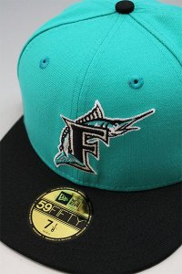 <img class='new_mark_img1' src='https://img.shop-pro.jp/img/new/icons16.gif' style='border:none;display:inline;margin:0px;padding:0px;width:auto;' />NEWERA 59fifty FLORIDA MARLINS 1997 WORLD SERIES【TIF/BLK】