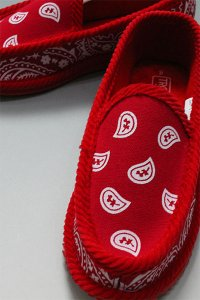 <img class='new_mark_img1' src='//img.shop-pro.jp/img/new/icons16.gif' style='border:none;display:inline;margin:0px;padding:0px;width:auto;' />TROOPER HOUSE SHOES BANDANA【RED】