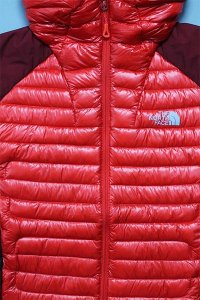 THE NORTH FACE WOMEN'S SUMMIT SERIES LIGHT DOWN 【RED/BUR】