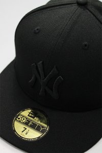 <img class='new_mark_img1' src='https://img.shop-pro.jp/img/new/icons16.gif' style='border:none;display:inline;margin:0px;padding:0px;width:auto;' />NEWERA 59fifty NEWYORK YANKEES【BLK/BLK】