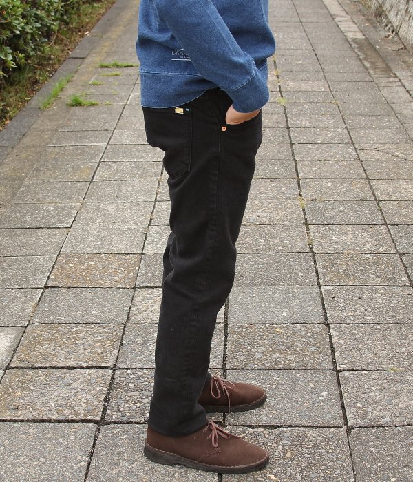 STRETCH DENIM BLACK DYE PEG SLIM JEANS