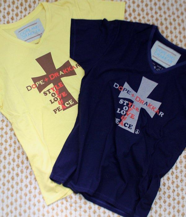 <img class='new_mark_img1' src='//img.shop-pro.jp/img/new/icons24.gif' style='border:none;display:inline;margin:0px;padding:0px;width:auto;' />FRUIT DYE CROSS V/N T-SHIRT