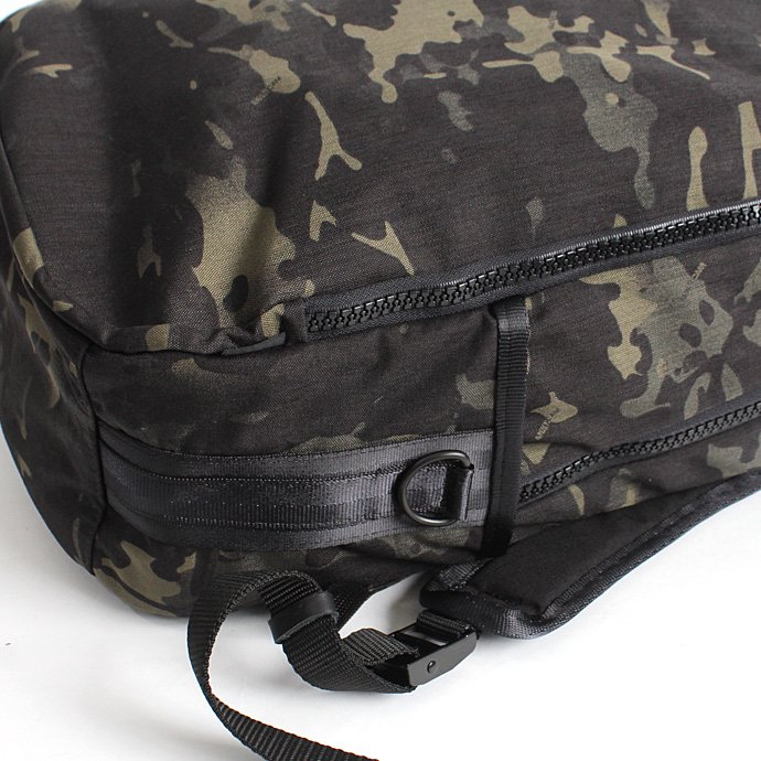 DEFY BAGS DEFY BAGS / Bucktown Pack - Rogue Camo バックタウンパック ローグカモ コーデュラナイロン<img class='new_mark_img2' src='//img.shop-pro.jp/img/new/icons47.gif' style='border:none;display:inline;margin:0px;padding:0px;width:auto;' /> 02