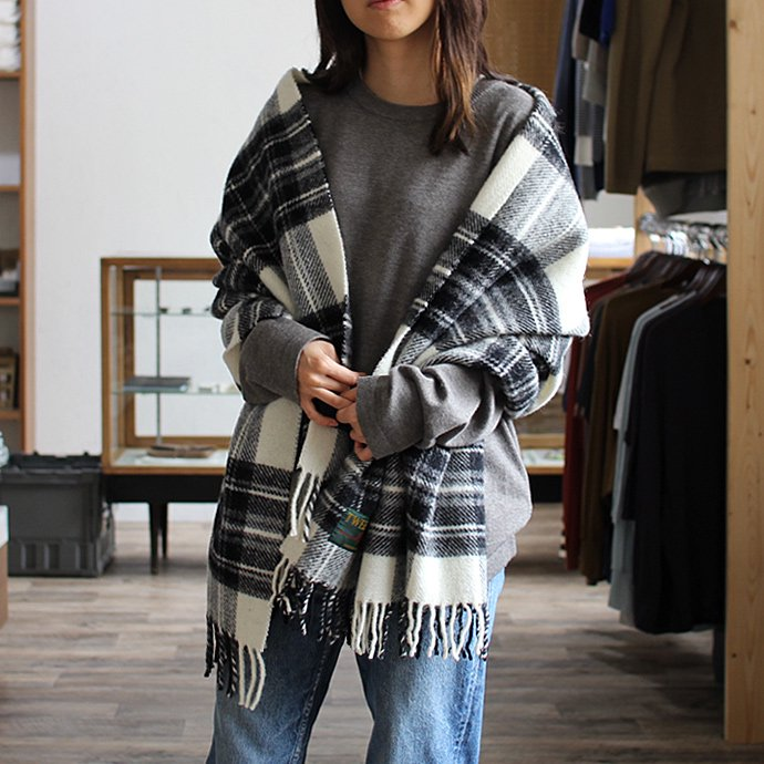 TWEEDMILL TWEEDMILL / ウール タータンチェックブランケット - モノトーン Grey Dress Stewart<img class='new_mark_img2' src='//img.shop-pro.jp/img/new/icons47.gif' style='border:none;display:inline;margin:0px;padding:0px;width:auto;' /> 02