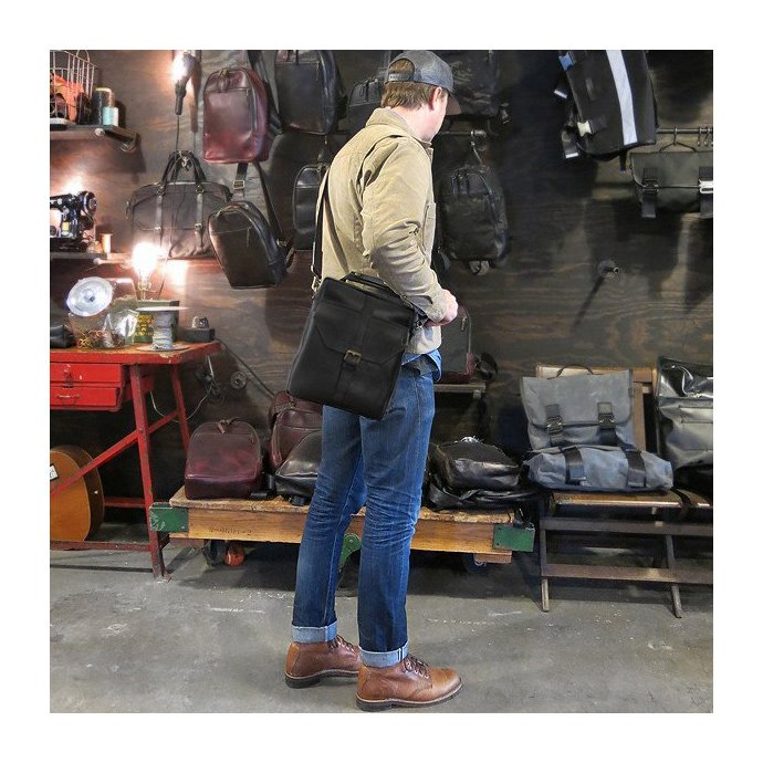 DEFY BAGS DEFY BAGS / Defender Day Tripper ショルダーバッグ 全6素材<img class='new_mark_img2' src='//img.shop-pro.jp/img/new/icons47.gif' style='border:none;display:inline;margin:0px;padding:0px;width:auto;' /> 02