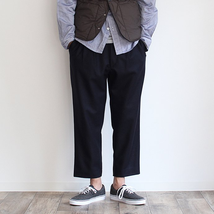 108739591 CEASTERS / Wool Easy Trousers ウールイージーパンツ ネイビー<img class='new_mark_img2' src='//img.shop-pro.jp/img/new/icons47.gif' style='border:none;display:inline;margin:0px;padding:0px;width:auto;' /> 01