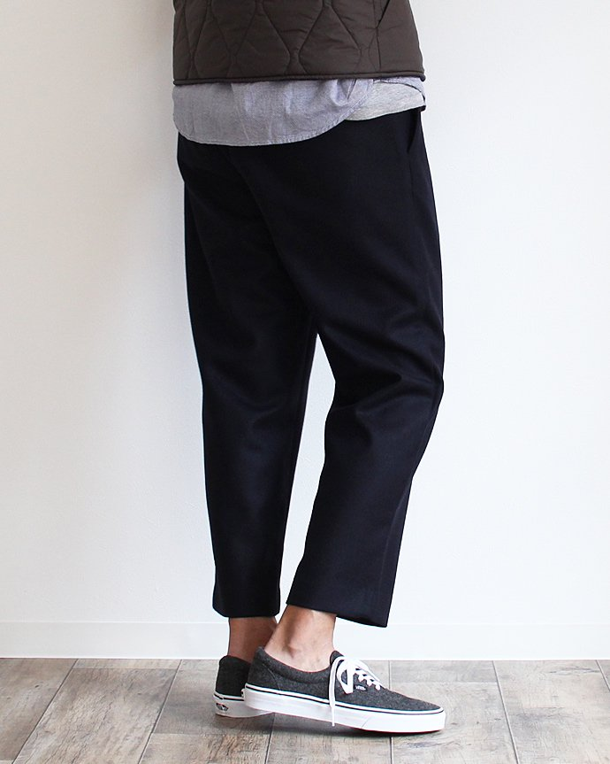 108739591 CEASTERS / Wool Easy Trousers ウールイージーパンツ ネイビー<img class='new_mark_img2' src='//img.shop-pro.jp/img/new/icons47.gif' style='border:none;display:inline;margin:0px;padding:0px;width:auto;' /> 02