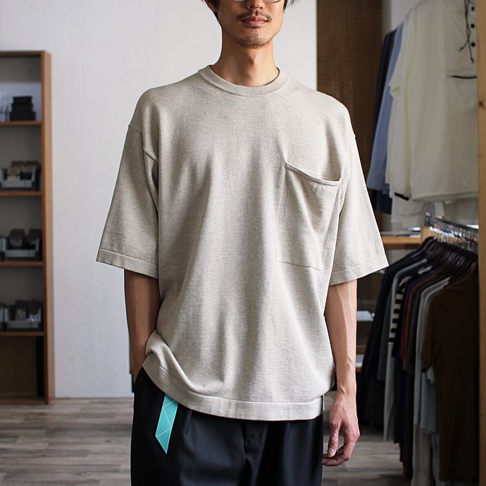 crepuscule crepuscule / Pocket Knit S/S 1701-010 - Beige ショートスリーブポケットニット ベージュ<img class='new_mark_img2' src='//img.shop-pro.jp/img/new/icons47.gif' style='border:none;display:inline;margin:0px;padding:0px;width:auto;' /> 02