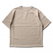crepuscule / Highgage Moss Stitch S/S Cutsew 1701-011 - Beige ハイゲージ鹿の子ショートスリーブニット ベージュ<img class='new_mark_img2' src='//img.shop-pro.jp/img/new/icons47.gif' style='border:none;display:inline;margin:0px;padding:0px;width:auto;' />