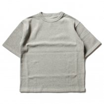 crepuscule / Highgage Moss Stitch S/S Cutsew 1701-011 - Gray ハイゲージ鹿の子ショートスリーブニット グレー<img class='new_mark_img2' src='//img.shop-pro.jp/img/new/icons47.gif' style='border:none;display:inline;margin:0px;padding:0px;width:auto;' />
