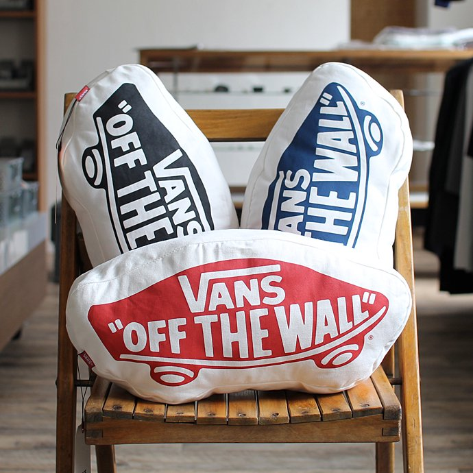 VANS SK8 OTW Bandana Cushion ヴァンズ ロゴクッション - Navy<img class='new_mark_img2' src='//img.shop-pro.jp/img/new/icons47.gif' style='border:none;display:inline;margin:0px;padding:0px;width:auto;' /> 02