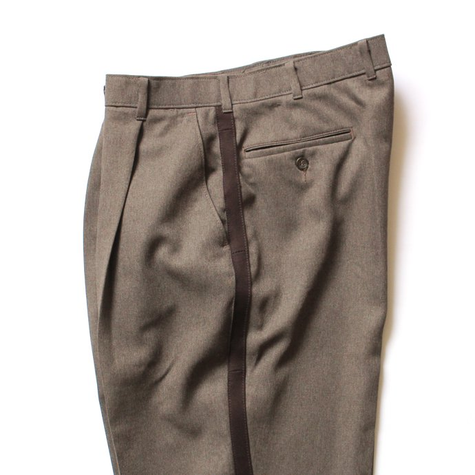 117809646 Hexico / Deformer 1-Tuck Line Pants - Ex. Action Slacks リメイクスラックス - Heather Brown<img class='new_mark_img2' src='//img.shop-pro.jp/img/new/icons47.gif' style='border:none;display:inline;margin:0px;padding:0px;width:auto;' /> 02
