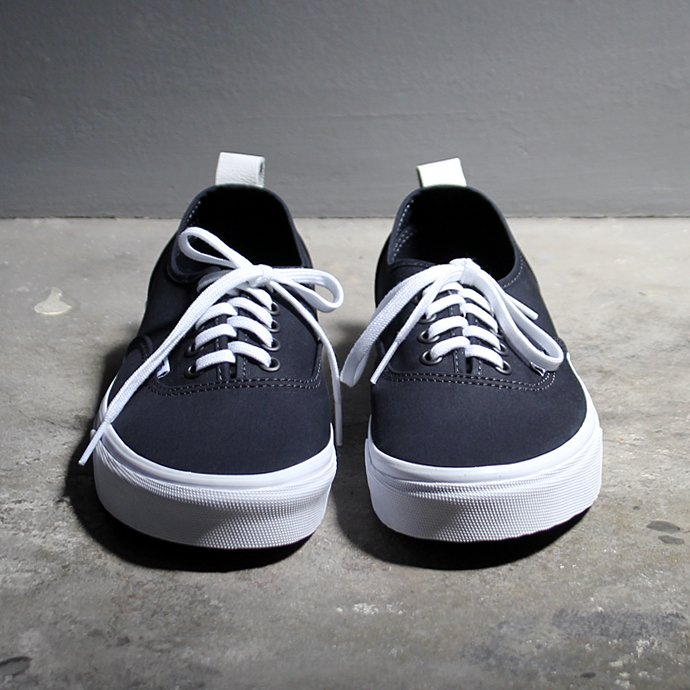 118071555 VANS / Authentic PT - Navy VN0A38F1NWD ヴァンズ オーセンティックPT ネイビー<img class='new_mark_img2' src='//img.shop-pro.jp/img/new/icons47.gif' style='border:none;display:inline;margin:0px;padding:0px;width:auto;' /> 02