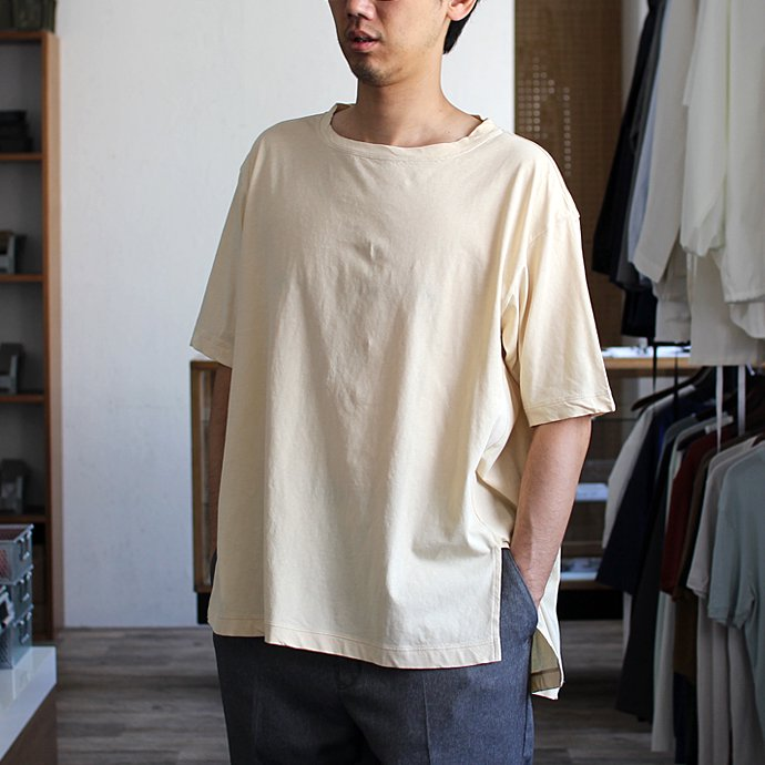 smoothday ユニセックス テクノラマ オーバーサイズ スリットTシャツ SG-T001-004 Off white<img class='new_mark_img2' src='//img.shop-pro.jp/img/new/icons47.gif' style='border:none;display:inline;margin:0px;padding:0px;width:auto;' /> 02