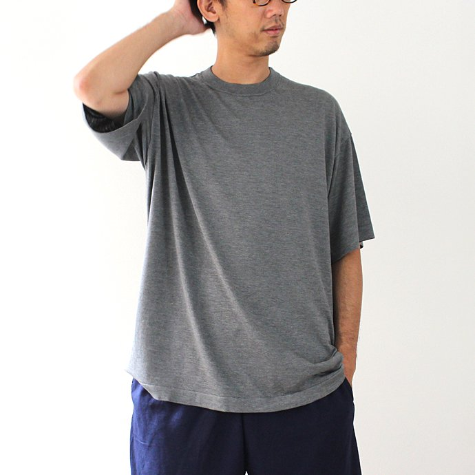 crepuscule crepuscule / S/S Knit Tee 1703-001 - C.Gray シルク混ハイゲージ半袖ニットT チャコールグレー<img class='new_mark_img2' src='//img.shop-pro.jp/img/new/icons20.gif' style='border:none;display:inline;margin:0px;padding:0px;width:auto;' /> 02