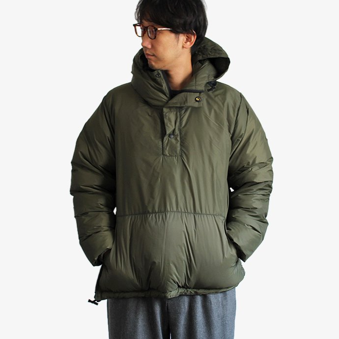 123778898 Crescent Down Works / EHS別注 プルオーバーダウンパーカー - Olive 02
