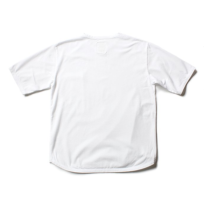 131556112 STILL BY HAND / 鹿の子 ビッグポケットTシャツ CS0482 - White<img class='new_mark_img2' src='//img.shop-pro.jp/img/new/icons47.gif' style='border:none;display:inline;margin:0px;padding:0px;width:auto;' /> 02