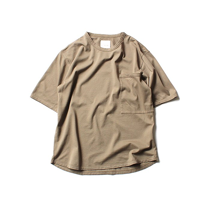131556134 STILL BY HAND / 鹿の子 ビッグポケットTシャツ CS0482 - Beige<img class='new_mark_img2' src='//img.shop-pro.jp/img/new/icons47.gif' style='border:none;display:inline;margin:0px;padding:0px;width:auto;' /> 01
