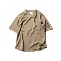 STILL BY HAND / 鹿の子 ビッグポケットTシャツ CS0482 - Beige<img class='new_mark_img2' src='//img.shop-pro.jp/img/new/icons47.gif' style='border:none;display:inline;margin:0px;padding:0px;width:auto;' />