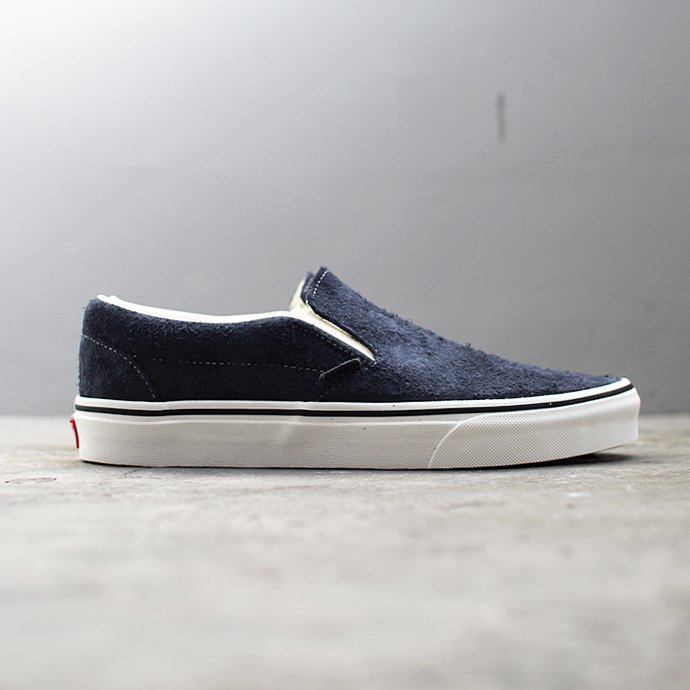 136836495 VANS / Hairy Suede Classic Slip-On - Sky Captain ヴァンズ ヘアリースウェードクラシックスリッポン VN0A38F7ULQ<img class='new_mark_img2' src='//img.shop-pro.jp/img/new/icons47.gif' style='border:none;display:inline;margin:0px;padding:0px;width:auto;' /> 02