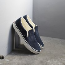 VANS / Hairy Suede Classic Slip-On - Sky Captain ヴァンズ ヘアリースウェードクラシックスリッポン VN0A38F7ULQ<img class='new_mark_img2' src='//img.shop-pro.jp/img/new/icons20.gif' style='border:none;display:inline;margin:0px;padding:0px;width:auto;' />