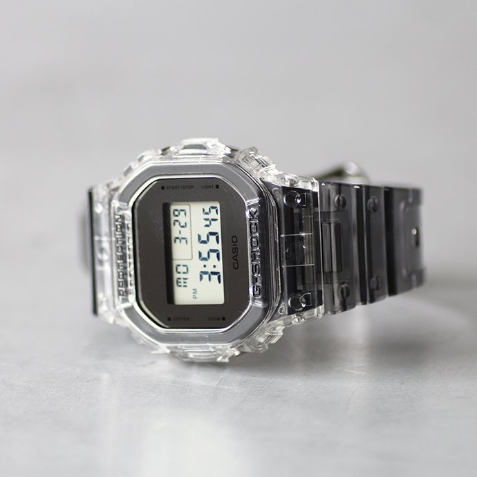 143526348 CASIO G-SHOCK / クリアスケルトンGショック DW-5600SK-1<img class='new_mark_img2' src='//img.shop-pro.jp/img/new/icons47.gif' style='border:none;display:inline;margin:0px;padding:0px;width:auto;' /> 02