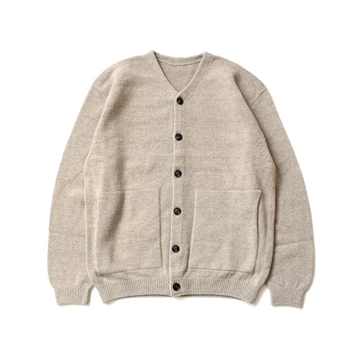 145652872 crepuscule / wholegarment V/N cardigan 1903-009 Beige ホールガーメントVネックカーディガン ベージュ<img class='new_mark_img2' src='//img.shop-pro.jp/img/new/icons47.gif' style='border:none;display:inline;margin:0px;padding:0px;width:auto;' /> 01