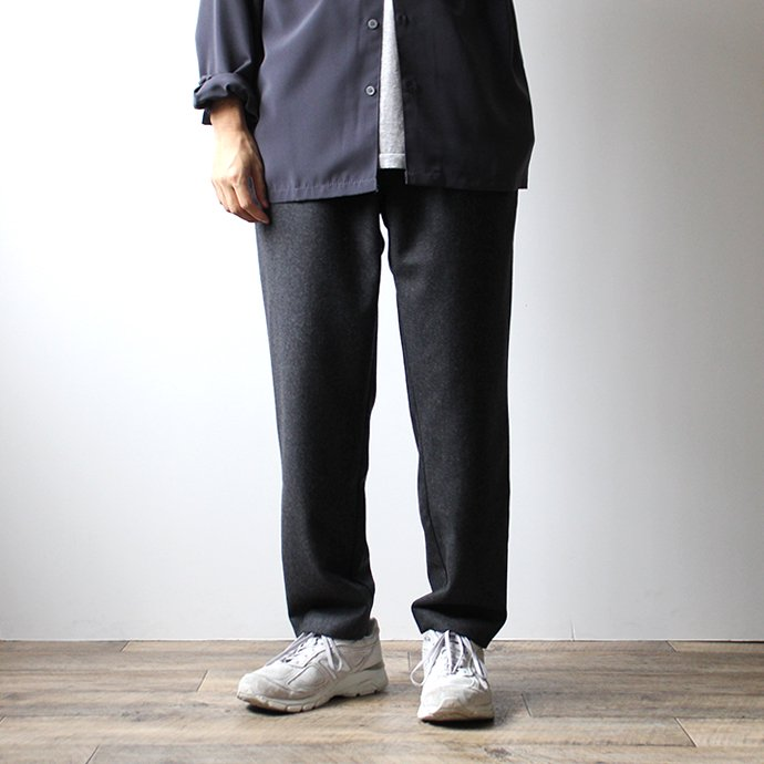 145933278 CEASTERS / No Pleats Easy Wool Trousers - Charcoal ウールイージートラウザーズ<img class='new_mark_img2' src='//img.shop-pro.jp/img/new/icons20.gif' style='border:none;display:inline;margin:0px;padding:0px;width:auto;' /> 02