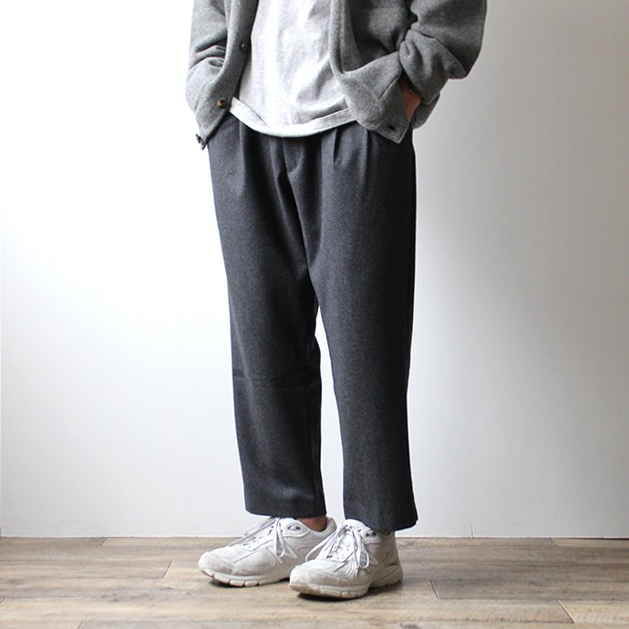 145933404 CEASTERS / 2P Easy Wool Trousers - Charcoal 2タックウールイージートラウザーズ 02