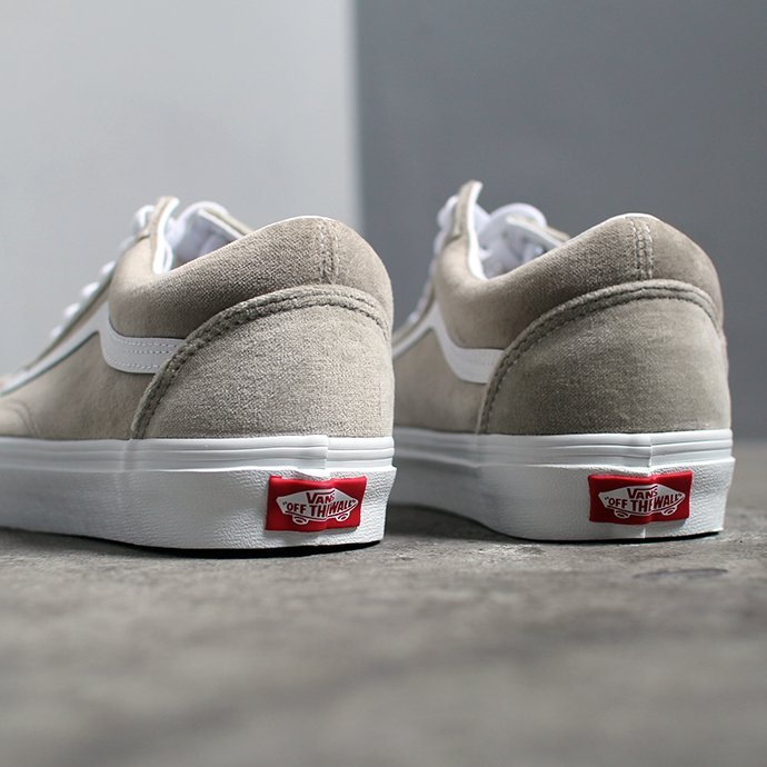 147294334 VANS / Velvet Old Skool - Gray ヴァンズ ベルベットオールドスクール ベージュ VN0A4BV5TCH<img class='new_mark_img2' src='//img.shop-pro.jp/img/new/icons47.gif' style='border:none;display:inline;margin:0px;padding:0px;width:auto;' /> 02