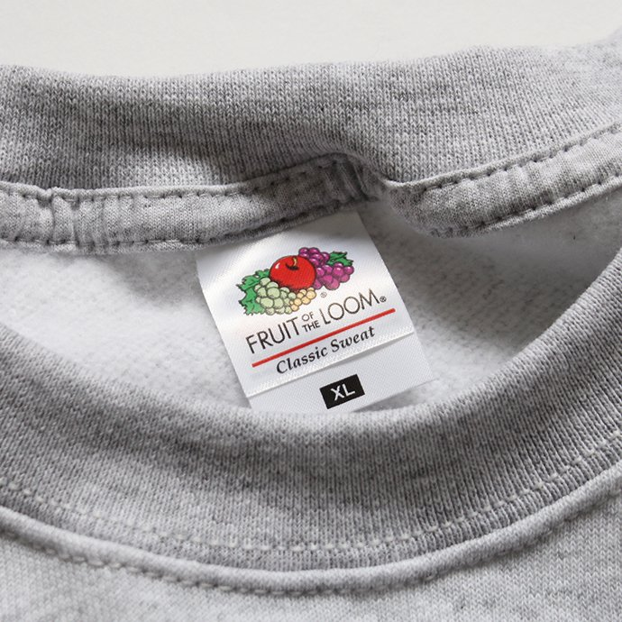 147902543 Fruit of the Loom Europe / Classic Raglan Sweat - Heather Grey<img class='new_mark_img2' src='//img.shop-pro.jp/img/new/icons47.gif' style='border:none;display:inline;margin:0px;padding:0px;width:auto;' /> 02