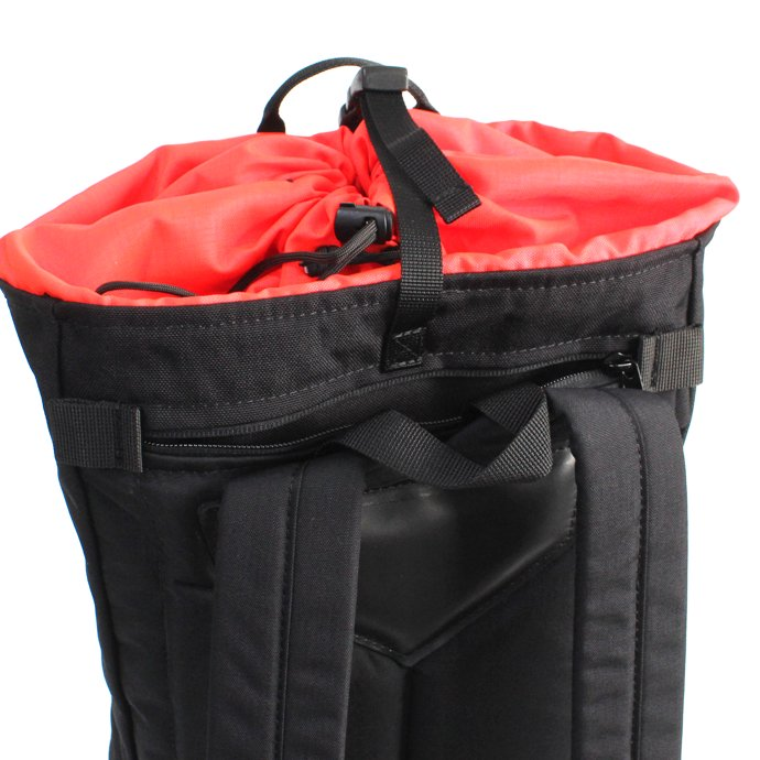 147944539 BRAASI INDUSTRY / TEKLA ALPINIST - 20L Black 耐水バックパック<img class='new_mark_img2' src='//img.shop-pro.jp/img/new/icons47.gif' style='border:none;display:inline;margin:0px;padding:0px;width:auto;' /> 02