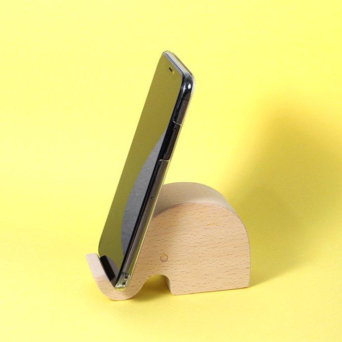 149600098 KIKKERLAND / Beechwood Phone Stand - Elephant ビーチウッドフォンスタンド エレファント<img class='new_mark_img2' src='https://img.shop-pro.jp/img/new/icons47.gif' style='border:none;display:inline;margin:0px;padding:0px;width:auto;' /> 02
