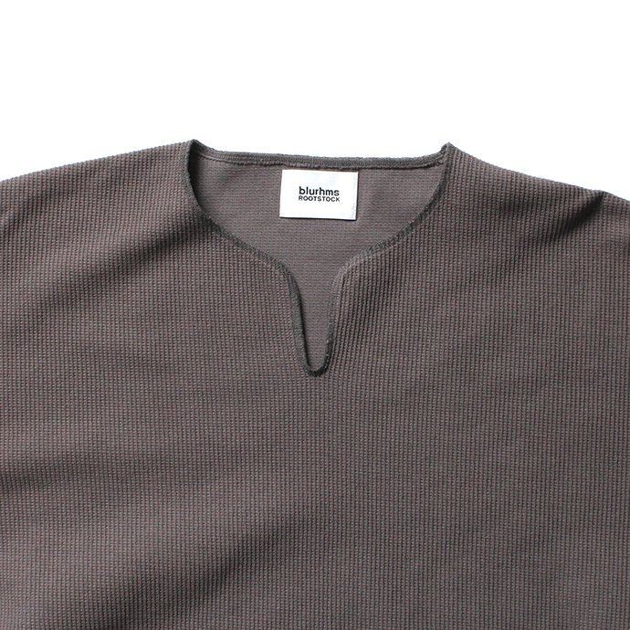 152342762 blurhms ROOTSTOCK / Rough & Smooth Thermal Over-Neck Loose Fit - Dark Grey ROOTS-RKAW19004F20 02