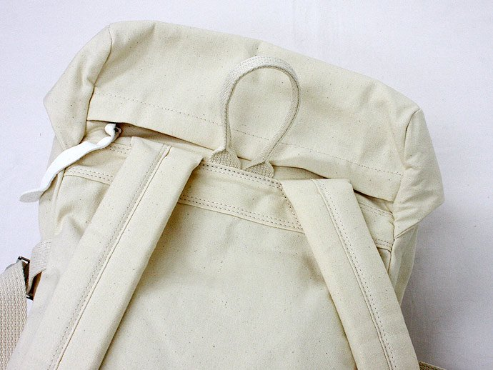 22626134 This is... / Canvas Backpack - Natural<img class='new_mark_img2' src='//img.shop-pro.jp/img/new/icons47.gif' style='border:none;display:inline;margin:0px;padding:0px;width:auto;' /> 02