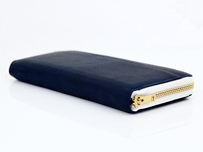 This is... Round Fastener Wallet - Navy Leather<img class='new_mark_img2' src='//img.shop-pro.jp/img/new/icons47.gif' style='border:none;display:inline;margin:0px;padding:0px;width:auto;' /> 02